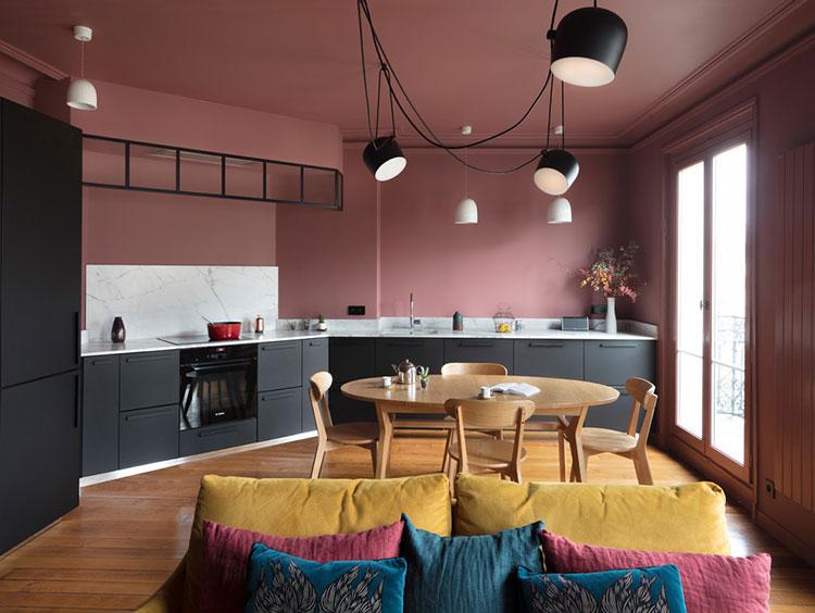 Эксперименты с цветом в парижской квартире