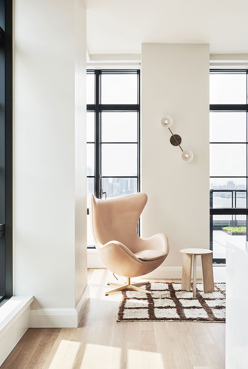 Spirit of scandinavian interiors laconic stylish natural and of course it is impossible not to mention the views of the new york skyscrapers a