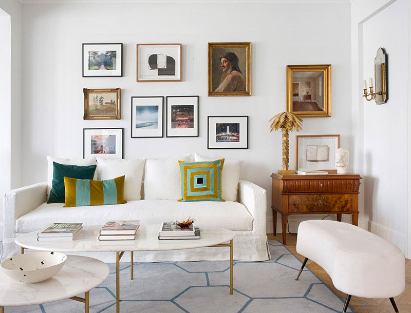 Furniture And Decor Played An Accent Role The Paintings Helped Give Apartment A Character Unusual Elegant Stylish Home