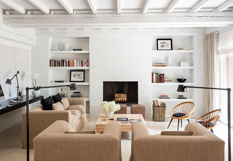 Изысканный и стильный белый интерьер дома в Риме