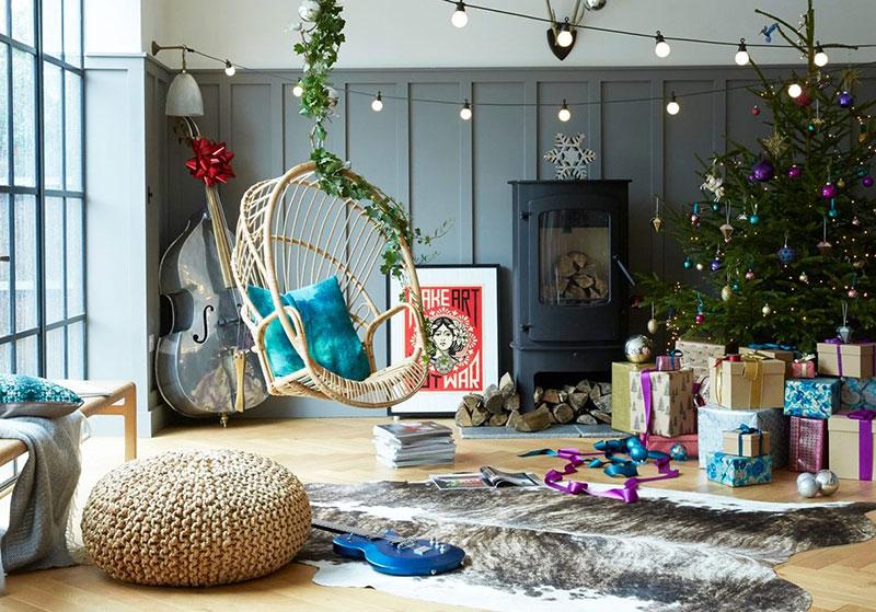 Три ёлки и интересные детали: праздничный декор для яркого дома в Лондоне
