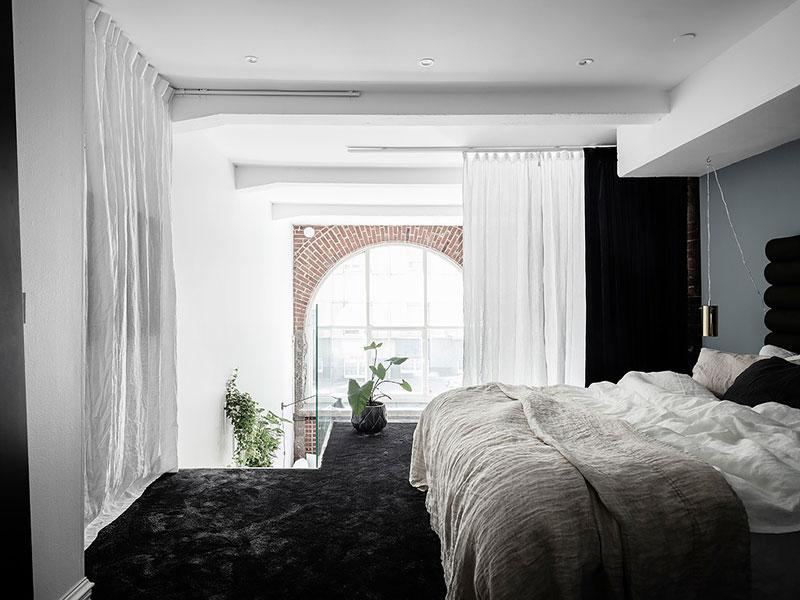loftas Ground-floor-apartment-with-brick-wall-pufikhomes-14