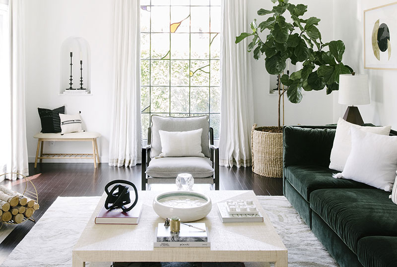 Светлый интерьер дома для сестры в Лос-Анджелесе