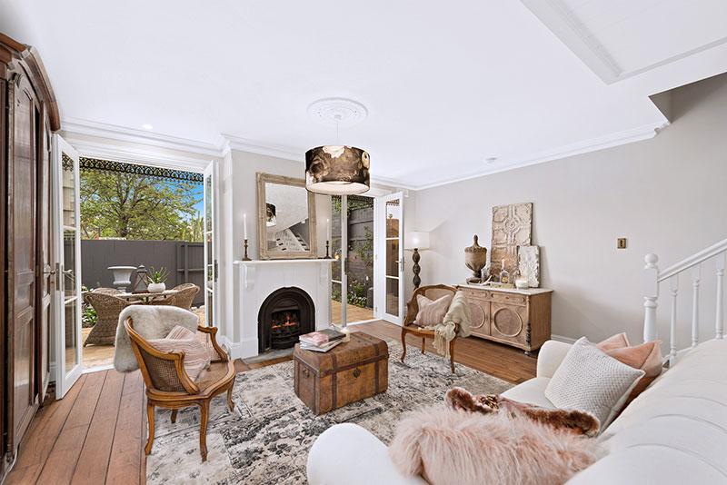 Романтика и уют: пастельный интерьер небольшого дома в Сиднее