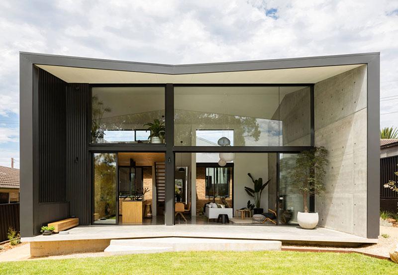 Современный и очень компактный: дом для молодой семьи в Австралии