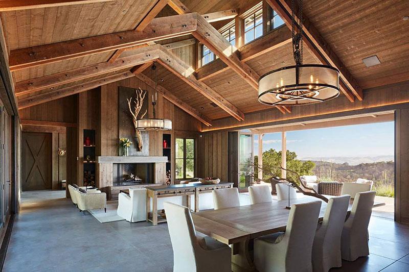Ранчо в современном стиле на холме в Калифорнии