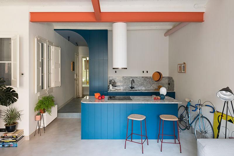 Яркий ар-деко и вид на Саграда-Фамилия: квартира в Барселоне