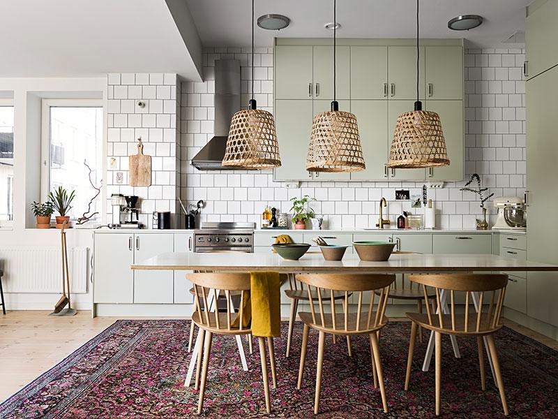 Красочные пастельные интерьеры для семьи в пригороде Стокгольма