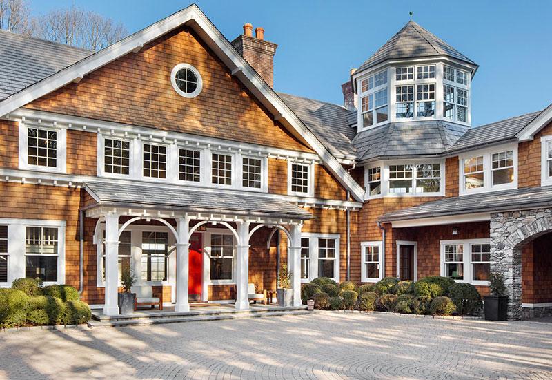 """Как живет """"Крепкий орешек"""": огромный дом Брюса Уиллиса, который он выставил на продажу"""