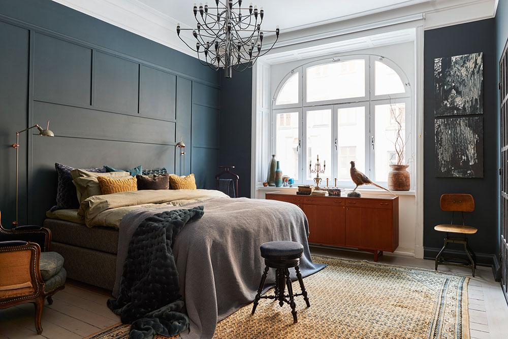 Скандинавская квартира в темно-синих тонах
