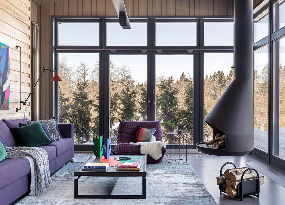 Современный деревянный дом отдыха с баней и камином в Подмосковье