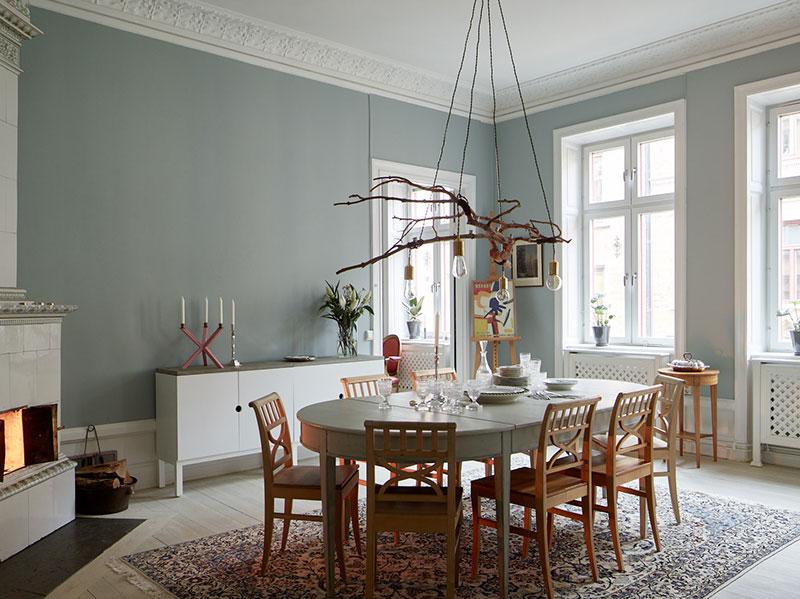 Стильная шведская квартира в прохладных тонах с классическими нотками