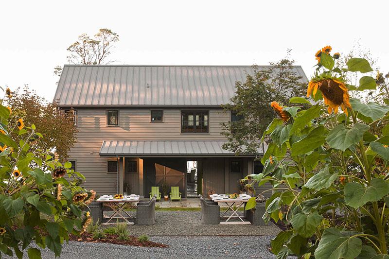 уютный интерьер деревянного дома