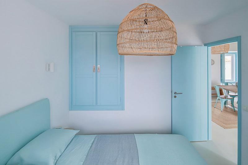 голубой цвет в интерьере стен