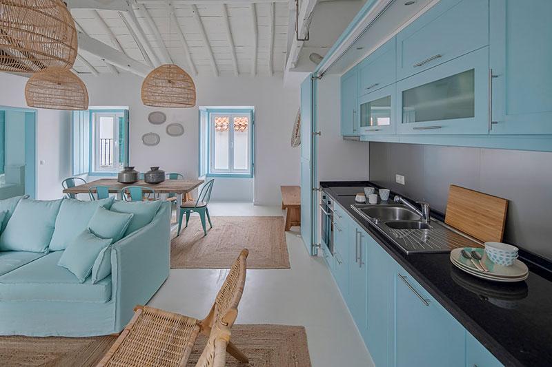 кухни голубого цвета фото в интерьере