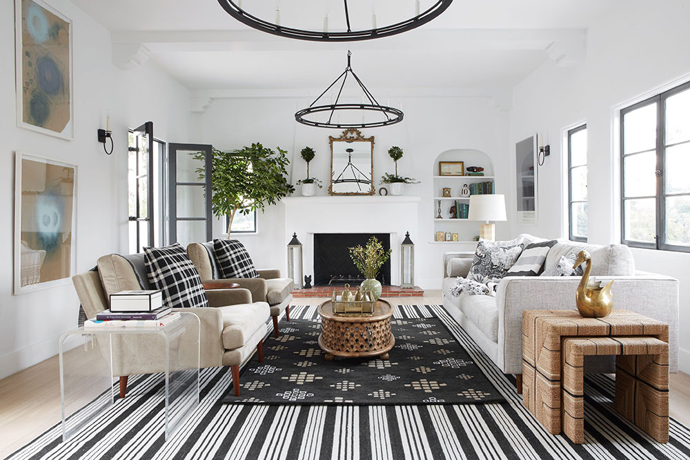 Black And White With Lot Of Decor Blogger S Home In California Rh Pufikhomes Com