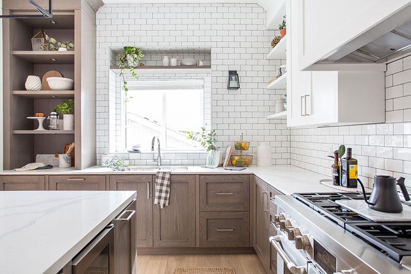дизайн кухни современный в светлых тонах