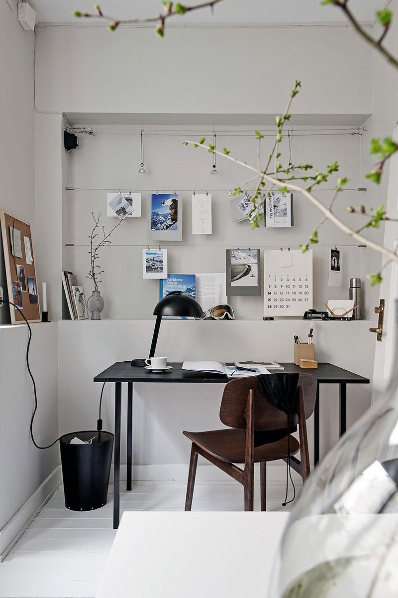 однокомнатная квартира в черно белом стиле