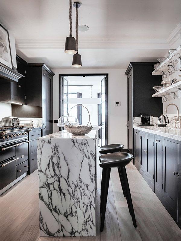 утонченный интерьер кухни фото