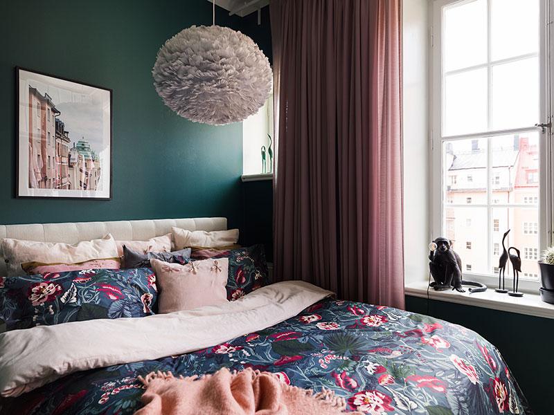 спальня в мпансарде