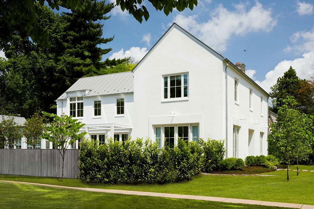уютный белый домик