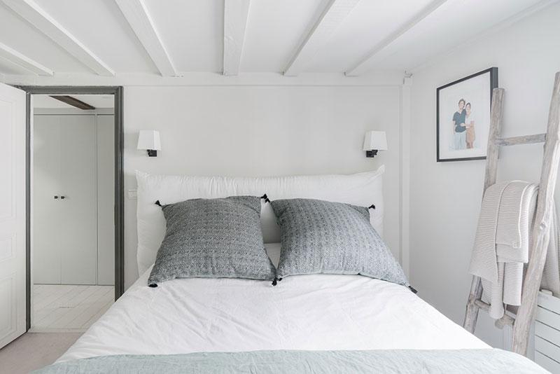кровать чердак в интерьере однокомнатной квартиры фото