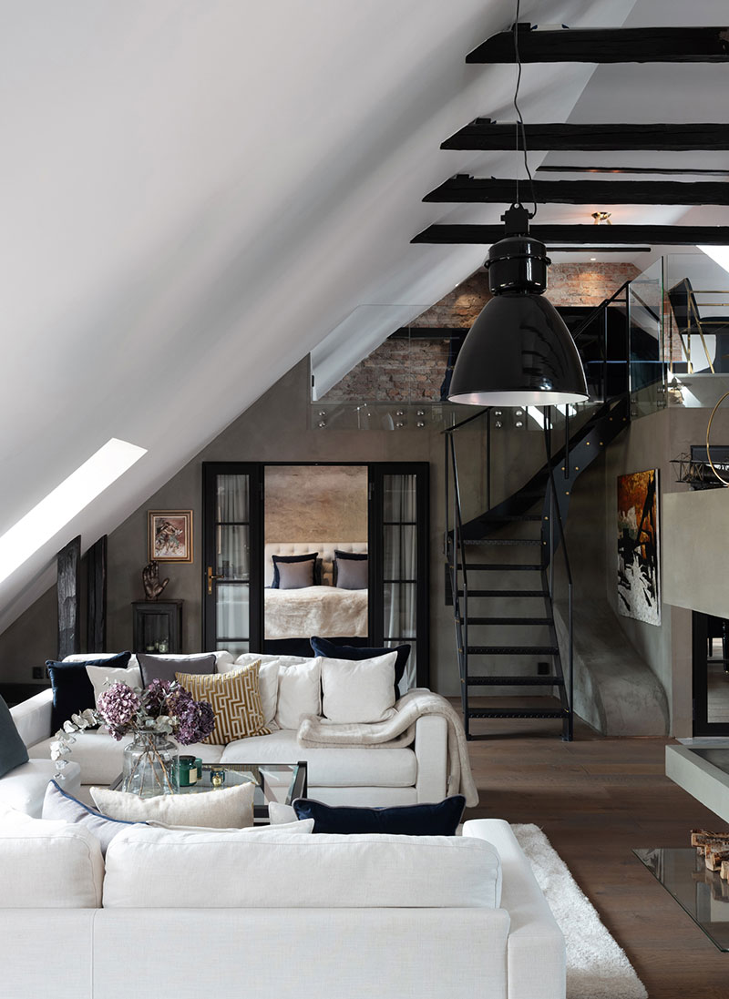 классический интерьер квартиры в темных тонах