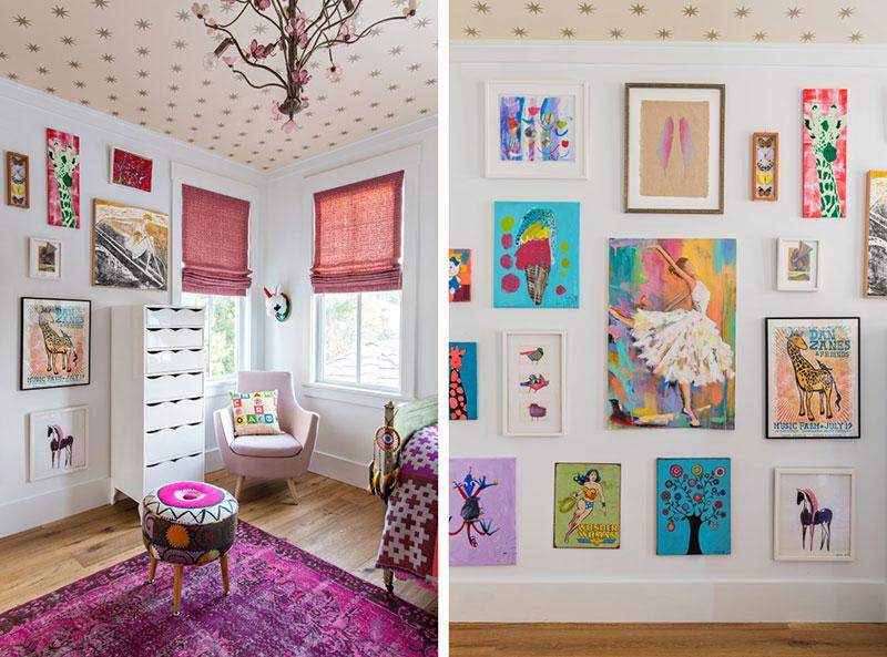 яркие цвета в интерьере деревянного дома