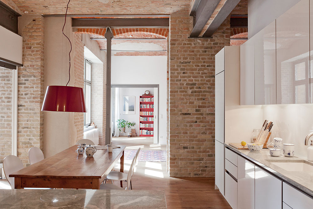 лофт стиль интерьера с кирпичными стенами