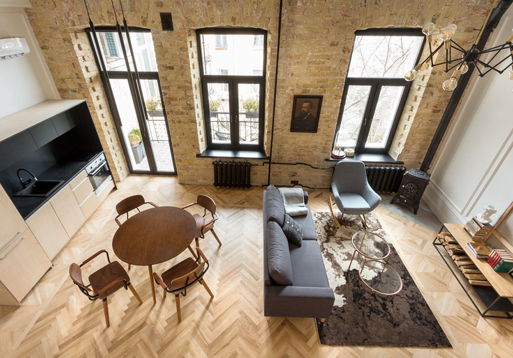 интерьер квартиры с антресолью