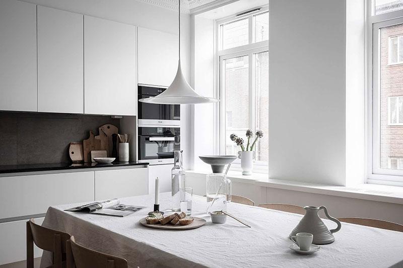 дизайн квартиры студии в белом цвете фото