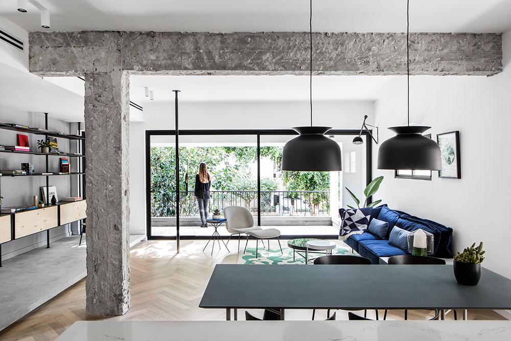 apartment black and white interiors