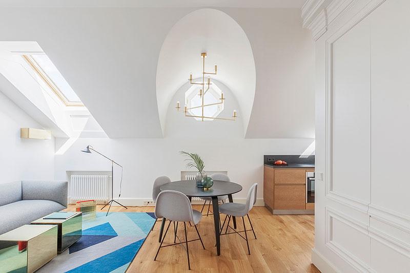 интерьеры со скошенным потолком
