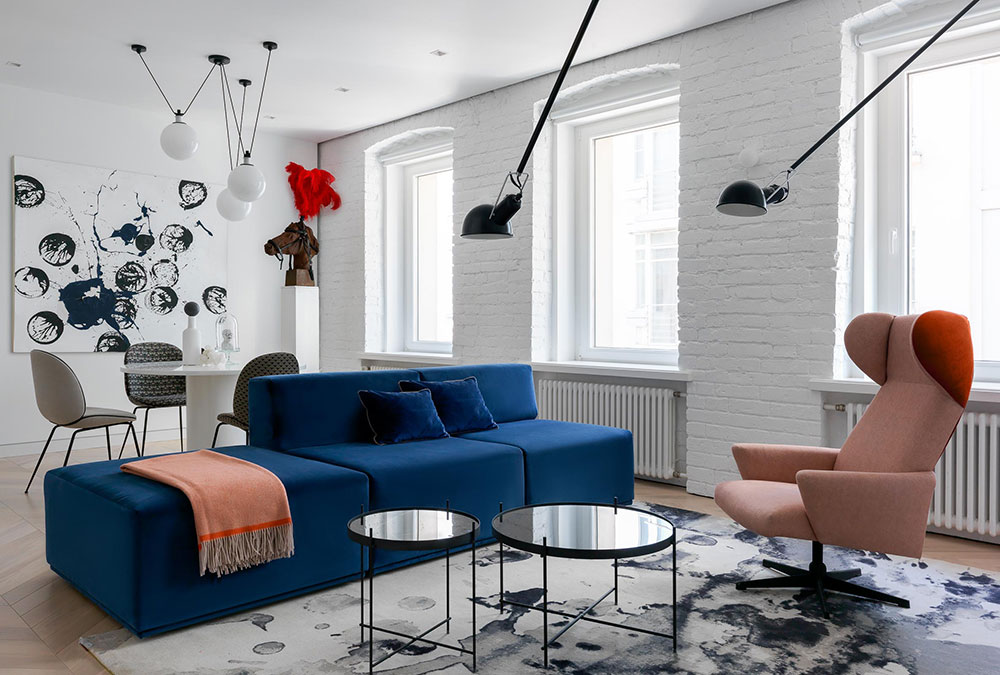 Stupendous Minimalist White Apartment With Colorful Furniture In Old Unemploymentrelief Wooden Chair Designs For Living Room Unemploymentrelieforg