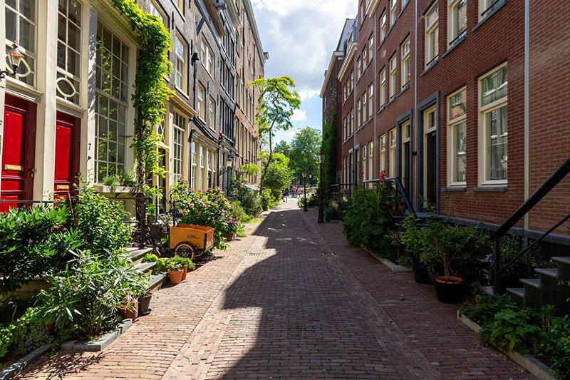 Класс! Великолепно сохранился: чудесный таунхаус 17 века в Амстердаме