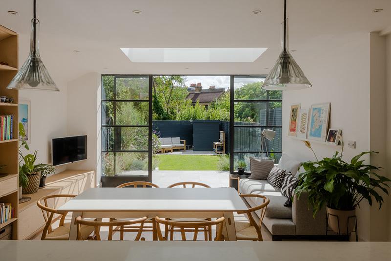 Лондонский таунхаус с прекрасной кухней и задним двориком