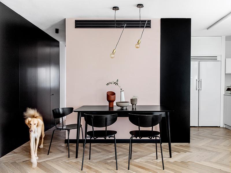 Стильная минималистичная квартира в Израиле для молодой семьи и собаки
