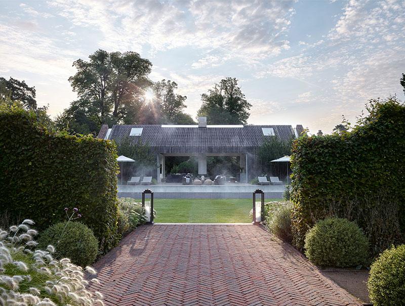 Дом с бассейном основательницы бренда The White Company недалеко от Лондона