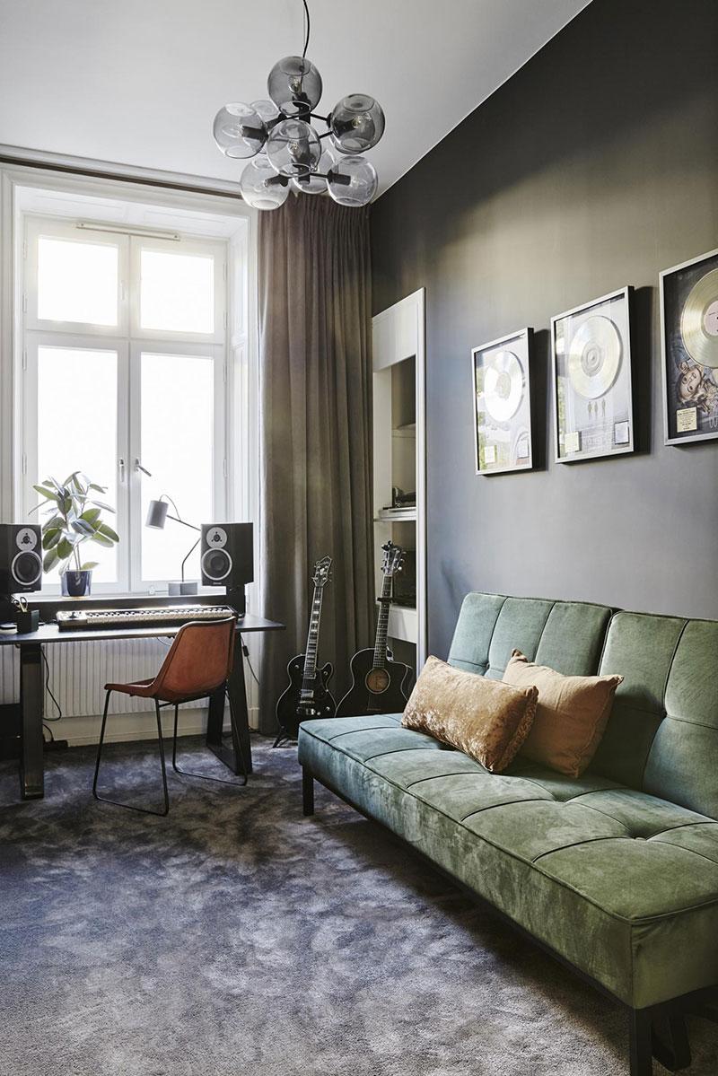Современная квартира с музыкальной комнатой в Стокгольме
