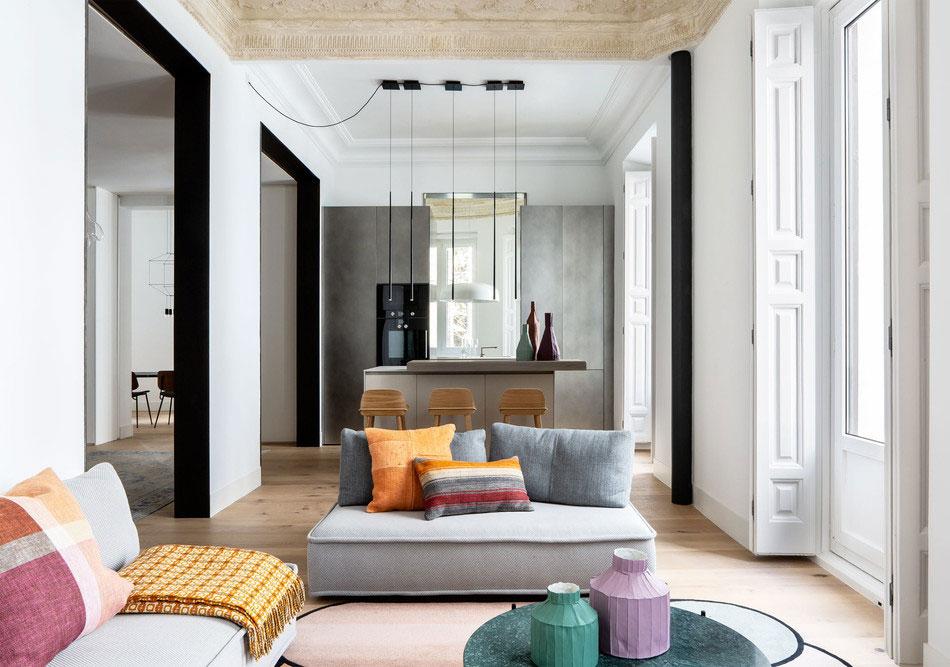 Гармония истории и современности в дизайне квартиры в 150-летнем доме в Мадриде