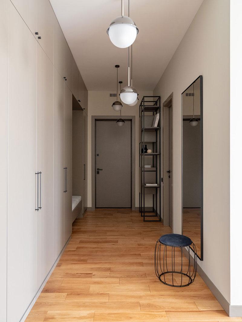 Просторная современная квартира в пастельных тонах в Москве