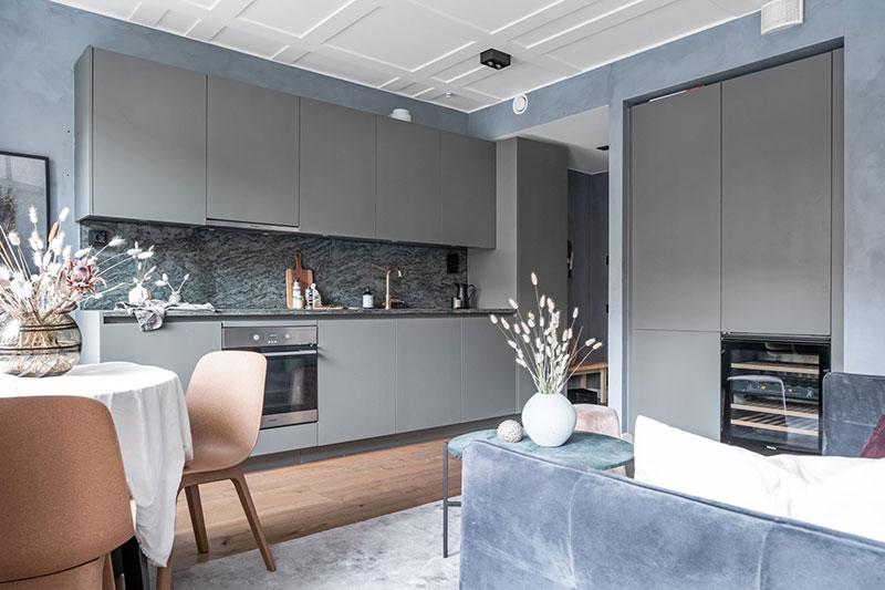 Как зонировать небольшую квартиру с помощью стеклянной перегородки (37 кв. м)