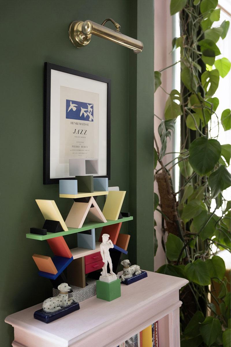 Пёстрые интерьеры дома молодого дизайнера Luke Edward Hall в Лондоне