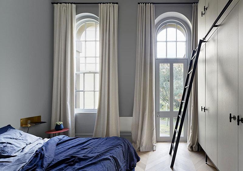 Высокие потолки и арочные окна: прекрасное пространство квартиры дизайнера в Мельбурне