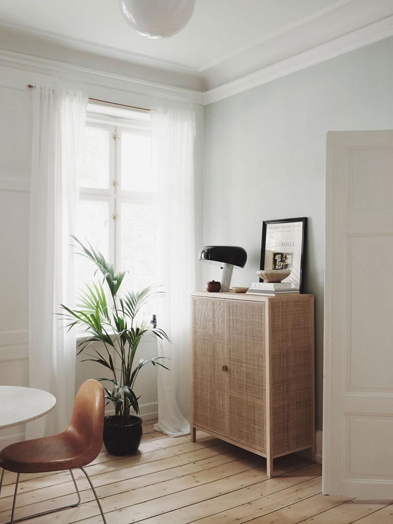 Игра в геометрические фигуры и изящная простота: интерьер скандинавской квартиры