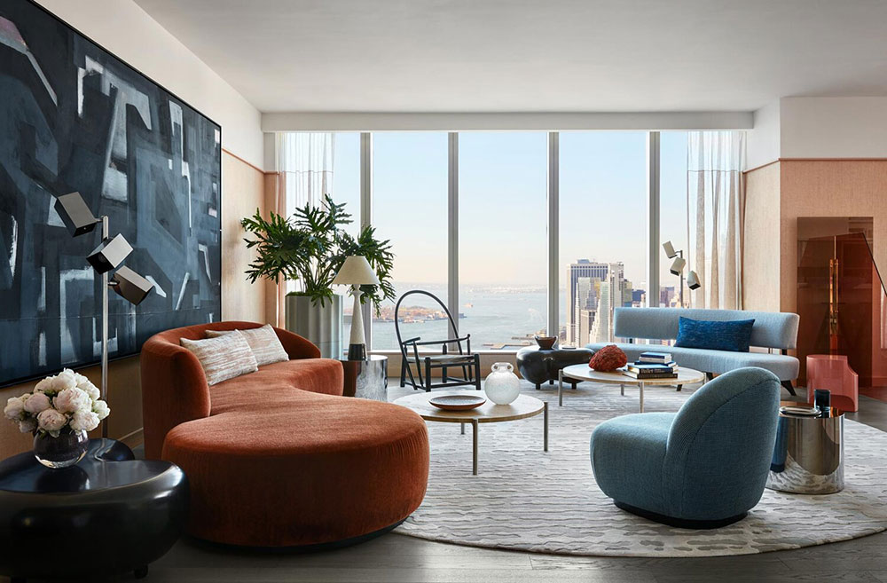 Модный mid century и вид на Нью-Йорк с высока: апартаменты в небоскрёбе на Манхеттене