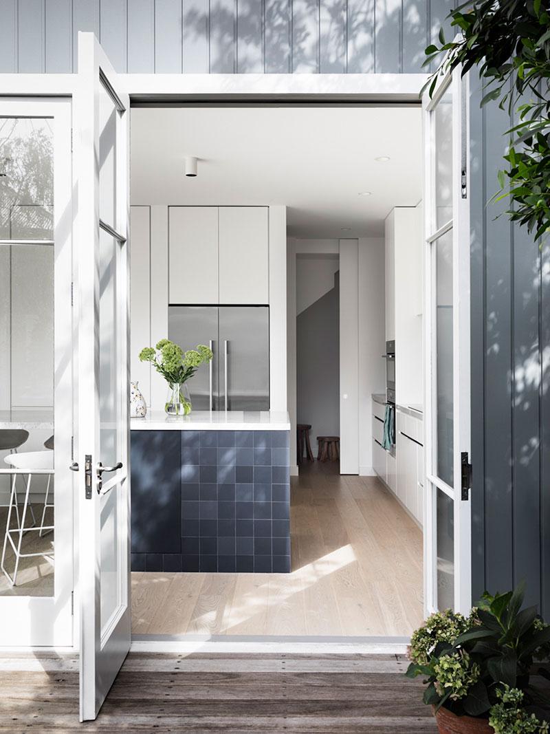 Наполненный светом современный семейный дом дизайнера Ali Ross в Мельбурне