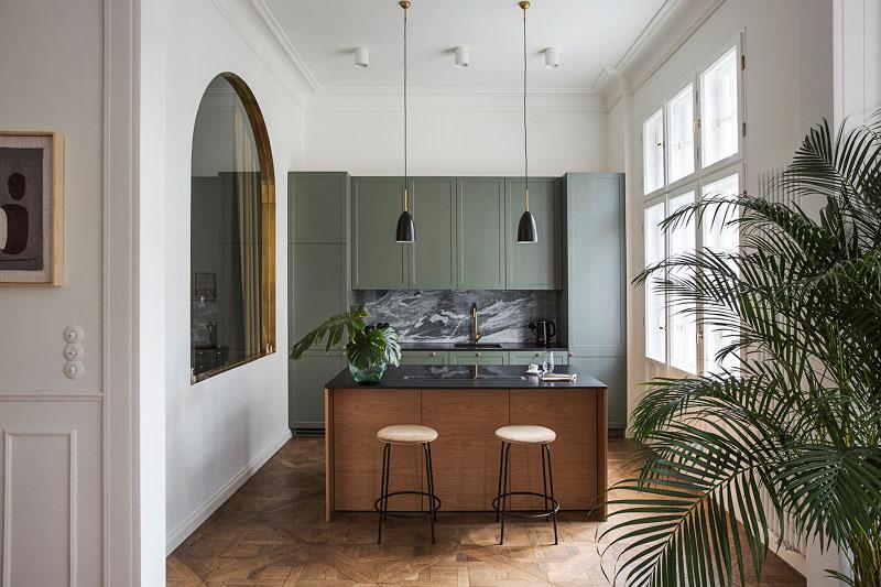 Elegant apartment in Warsaw in architectural monument         Photos     Ideas     Design