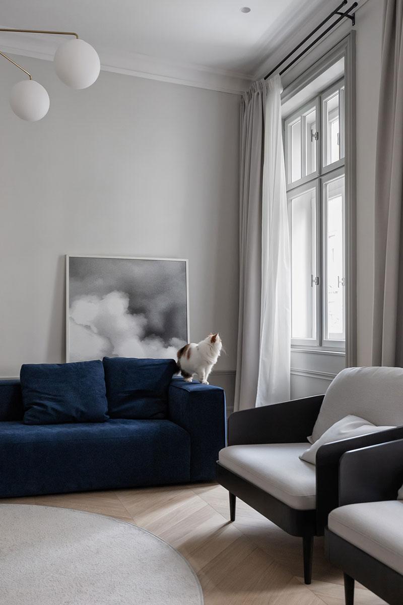 Грамотное зонирование и чёрно-белая гамма: интерьер квартиры в Белграде
