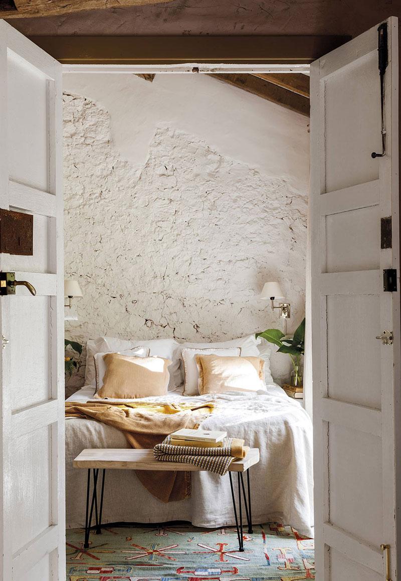 Превращение старой конюшни в уютный загородный дом в Испании